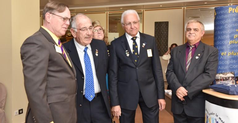 LE PRESIDENT INTERNATIONAL DU LIONS CLUBS INTERNATIONAL AU STAND DE L.I.D.E.R. DIABETE.
